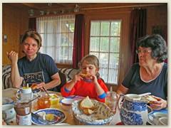 48 Ein seltener Besuch, Sohn Beat mit seiner Familie, Claudia und Kinder