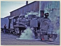 07 Seit 1951 befördern solche Maschinen den Kohle-Abbau von Rio Turbio zur Hafenstadt Rio Gallegos