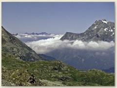 10 Wolken über dem Bergell