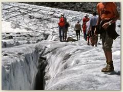 25 Vom Vedrat Pers auf den Vadret Morteratsch. Bis vor 2014 kamen die zwei Gletscher zusammen