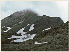 45 Der Gipfel des Piz Lunghin 2780 m im Nebel