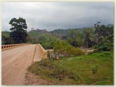 07_Malerische Gebirgslandschaften mit stillen Nebelwäldern, üppiger Urwald, einsame Strände und verträumte Dörfer. Das ist Honduras