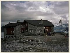 15_Die Carschinahütte SAC der Sektion Rätia auf 2236 m