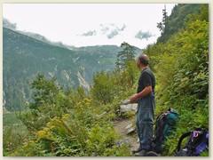 61_Auf dem hübsch angelegten Hüttenweg von der Capanna Sasc-Furä nach Promontogno