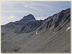 23_Der Bergweg führt sanft unter der Punta Terrarossa hoch zur Mäderlicke