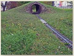 35_Der 6 Meter langen Tunnel