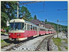 19_Zwei Triebwagen der Baureihe 420