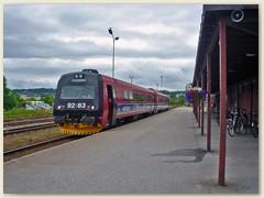 09_Dieseltriebzug beim Bahnhof Steinkjer. Linie der Tronder Bahn
