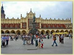 40_Hauptmarktplatz in Krakau mit dem Adam-Mickiewicz-Denkmal