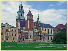 41_Burg Wawel, befestigte, auf einem Hügel gelegene und in einer Vielzahl späteter Stile verschönerte Burg aus dem 14. Jh.