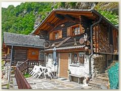 22_Eines der vielen Wochened- oder Ferienhaus in Privatbesitz