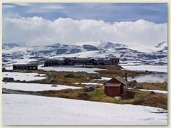 12_Finse auf 1222 m hat den höchstgelegenen Bahnhof Nordeuropa