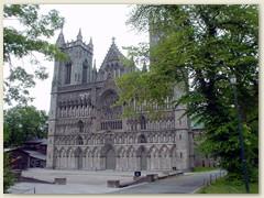 29_Der Nidarosdom, die gotische Kathedrale mit der kunstvollen Fensterrose