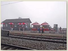 10_Der Festplatz Hohtenn wartet am frühen Vormittag auf weitere Besucher und Gäste