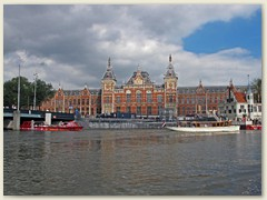 02_Central Station Amsterdam, eines der markantesten Gebäude der Stadt