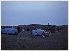 14 Gegen Abend wird das Nachtlager bei Buriang Bhanjyang 2438 m eingerichtet
