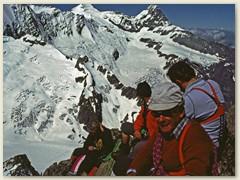 10_Auf dem Gipfel 3461 m mit Mönch u Eiger