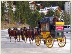 27_Im frühen 20. Jahrhundert verkehrten mehrere Postkutschenkurse zwischen der Bündner Kantonsmetropole und dem hochalpinen Kurort