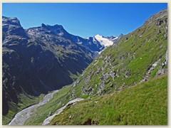 27_Es rinnen erste Schweisstropfen - Blick ins Läntagebiet mit Rheinwaldhorn