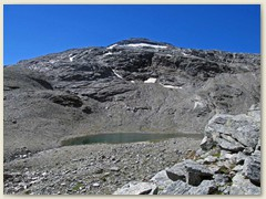 29_Vor uns taucht plötzlich das erste der zwei Bergseelein auf