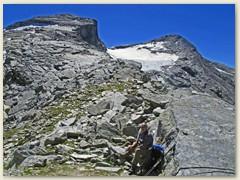 33_Auf der Passhöhe 2759 m lockt der Pizzo Cassinello - wäre früher kein Problem für mich gewesen - Schade