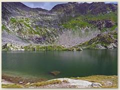 17_Der Lai Blau liegt schön eingebettet in einem Bergkessel