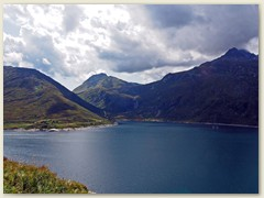 38_Lai da Sontga Maria, im Hintergrund das Val Termine und das Hochtal Val Cadlmo