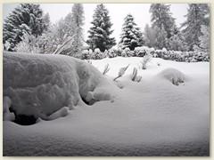 07_Schneemassen auf der Chaletsüdseite
