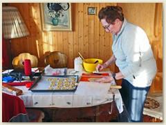 09_Schwester Rosmarie backt Mailänderli am 24. Februar