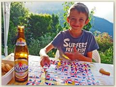 36_Kartenspiel auf der Terrasse mit Adrian