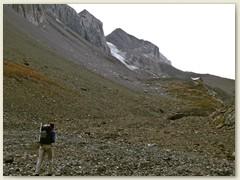 03_Im Iffigen ca 2200 m - Hinten die Wildhornhütte SAC