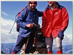 20_Auf dem Gipfel des Pizzo - Zwei meiner langjährigen Bergkameraden in den 1980er und 1990er Jahren