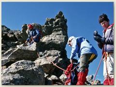 22_Unterhalb des Gipfels, Beginn des Abstiegs im Fels