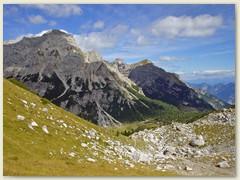 24_Unterhalb des Passo del Clamer - Blick hinunter nach Malga Spora