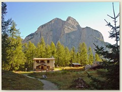 05_Auf einer grünen Hochebene erreichen wir das Rifugio Selvata
