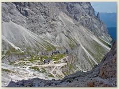 32_Steil runter zum Rifugio Vaiolet und der Preuss-Hütte
