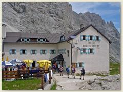 34_Die Vaiolet-Hütte befindet sich unter den Vajolettürmen