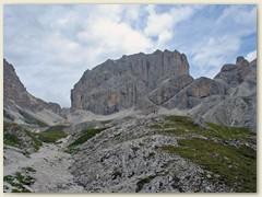39_Der Kesselkogel (ital. Catinaccio d'Antermoia) ist mit 3004 m der höchste Gipfel des Rosengartens