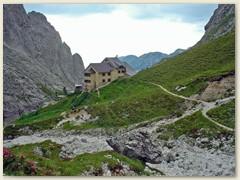 47_Das Rifugio Bergamo oder Grasleitenhütte im Naturpark Schlern-Rosengarten