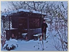 30r Lydia beim Schneewischen