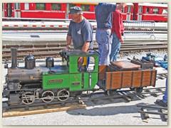49r Die grüne WB 6 'Waldenburg' wird zur Abfahrt hergerichtet