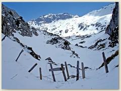 16 Passhöhe 1850 m erreicht