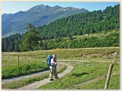 10 Am anderen Morgen, weiter geht's ein paar Stunden auf dem Sentiero alto oder Strada alta di Blenio