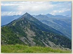 19 Ausblick vom Gipfel des Matro zum Pizzo Erra