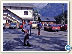02 Onkel Paul beim Parkplatz des Col du Pillon um 15:00 Uhr