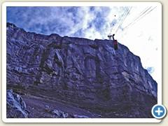 03 Aus Zeitgründen mit der Luftseilbahn Col du Pillon - Sex Rouge bis zur Mittelstation hochgefahren