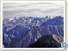 31 Einige Berge Richtung Ostwärts