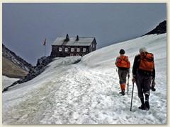 10 Kurz vor der Britanniahütte SAC 3030 m