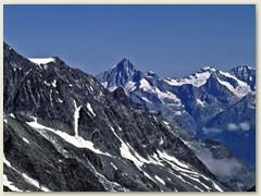 35 Super zeigt sich die Spitze das Bietschhorns 3934 m