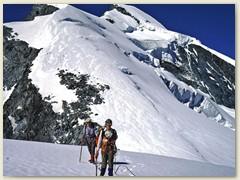 41 Auf ca. 3950 m bekam Thomas (15 jährig) starke Kopfschmerzen - Anzeichen einer Höhenkrankheit ? - Also Aufstieg abgebrochen und Umkehr